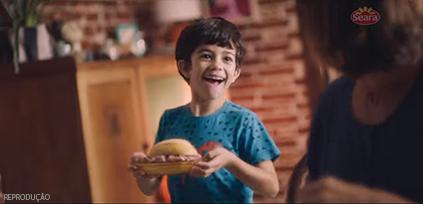 """Neste ano, a marca apresentou o conceito """"Não é só sobre comida"""": campanha busca a afetividade para criar conexão com os consumidores"""